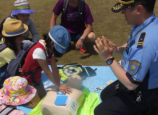学校行事やスポーツイベントなどにおいて、救命処置の普及啓発を行います