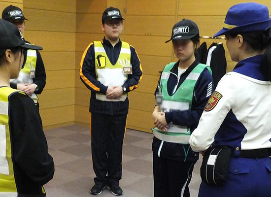 警備業に係る国家資格取得講習をはじめとした社外の研修でも指導者として活躍する当社の社員